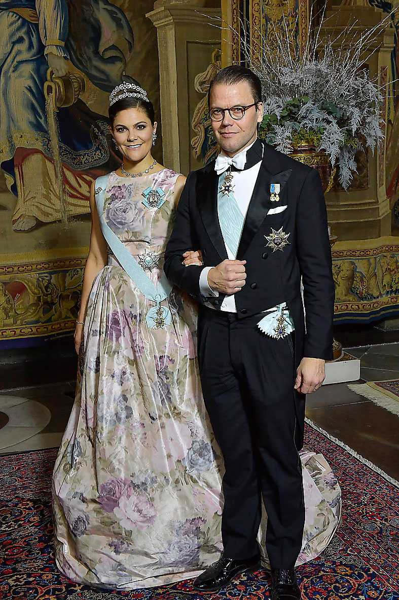 Kronprinsessan Victoria i aftonklänning från Camilla Thulin.