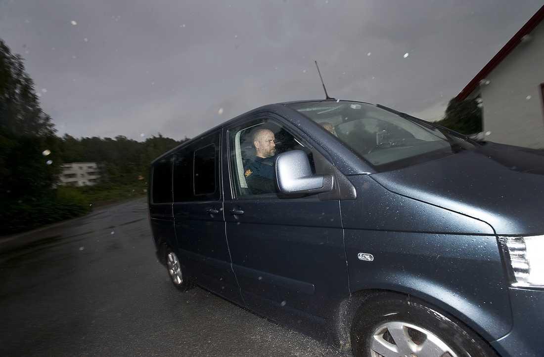 Anders Behring Breivik har förts till en sju kvadratmeter stor cell i Ila fengsel.