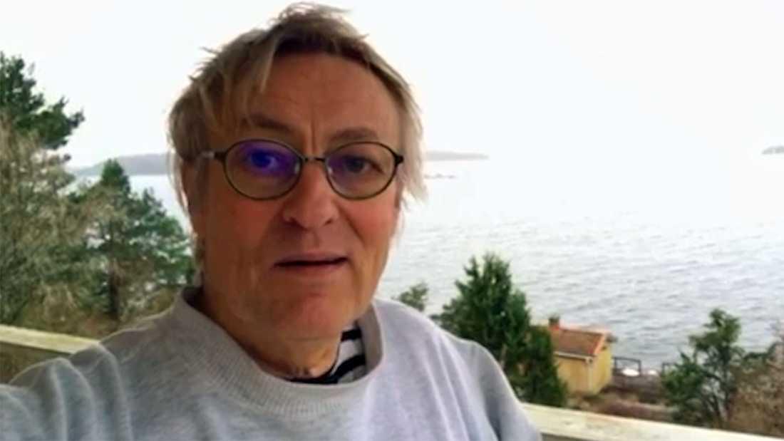 Det är ju en väldigt fin uppfinning du har gjort som räddar många liv, säger Lars Lerin i en inspelad personlig hälsning till Petra.