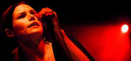 Nina Persson släpper sitt andra album under namnet A Camp.