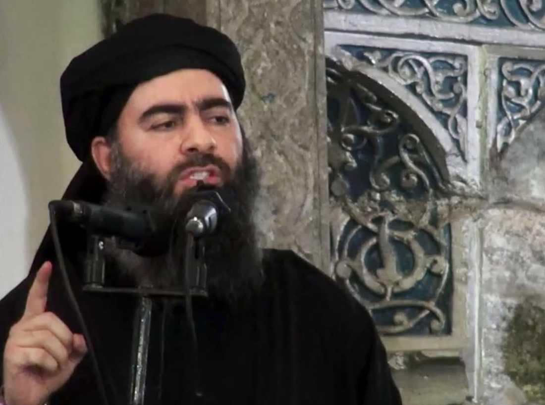 Arkivbild på Baghdadi. IS-ledaren ledde en bön i Mosul efter att staden erövrades av IS 2014.