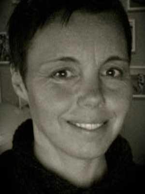 Lön: 24 500 kronor. Helena Åberg, 41 år. Examen som förskollärare och som textillärare.