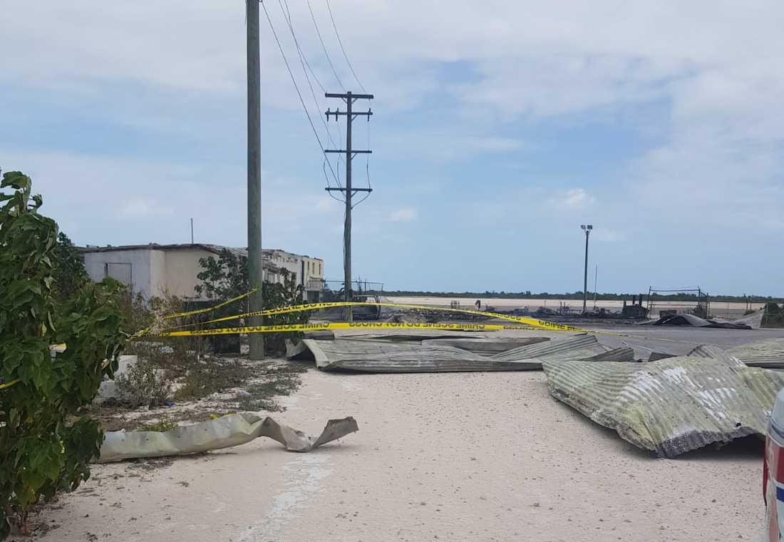 Enligt en boende på ön handlar brandattentatet om att lokalbefolkningen är rädda för coronaviruset.