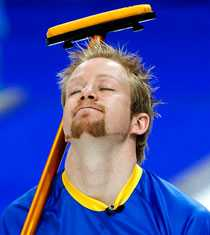 Niklas Edin deppar efter semifinalförlusten mot Kanada.