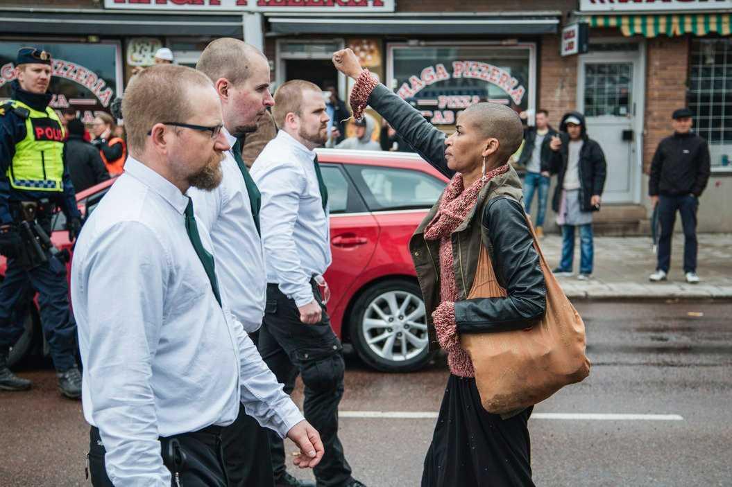 – Jag var inte rädd – jag var förbannad, säger Tess Asplund till Aftonbladet.