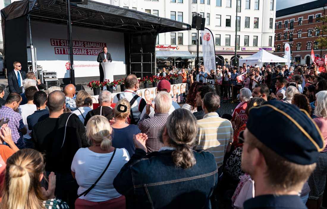 När statsminister Stefan Löfven talade på Möllevångstorget den 4 september förra året fanns inte högtalarna på plats ännu.