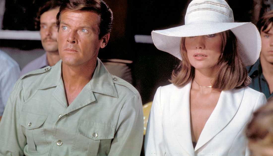 """Maud Adams spelade mot Roger Moore i två Bond-filmer: """"Octopussy"""" och """"Mannen med den gyllene pistolen""""."""