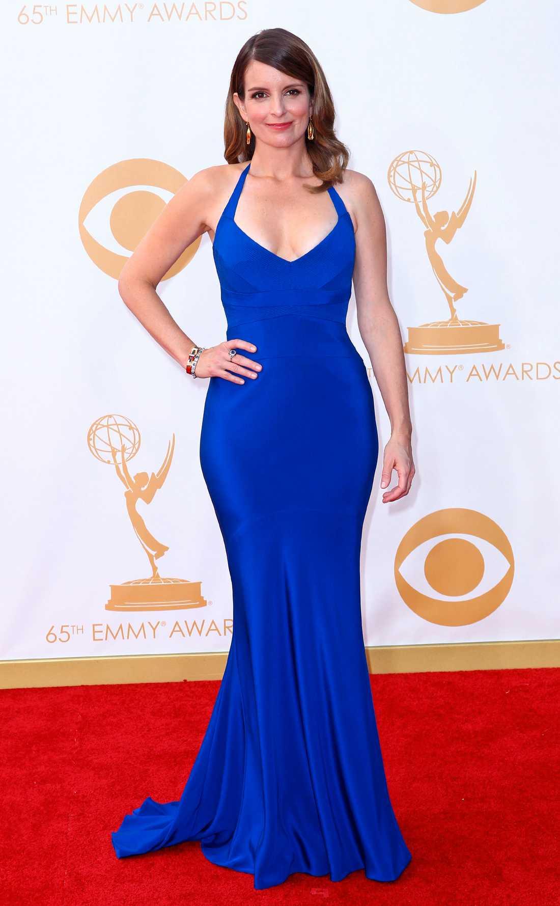 Tina Fey Kobolblått från Narciso Rodriguez fick pryda Tina Feys kurvor.