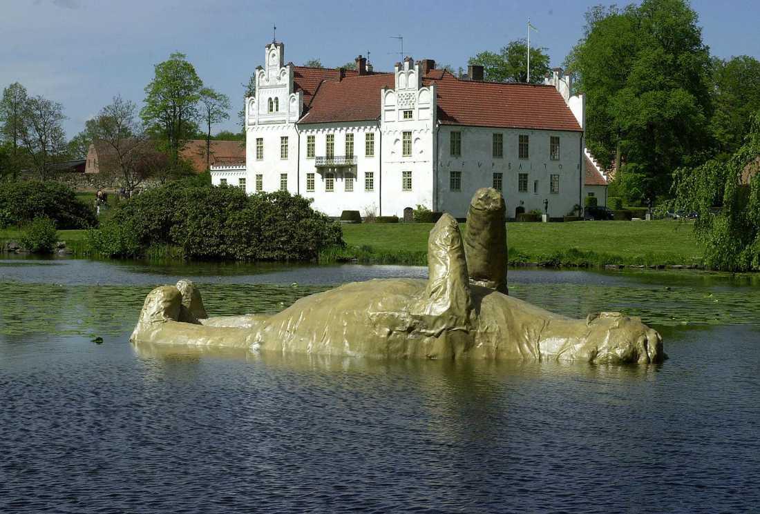 Wanås slott i Skåne. På sommaren upplåter greveparet Marika och Carl-Gustaf Wachtmeister slottet för konstutställningar.