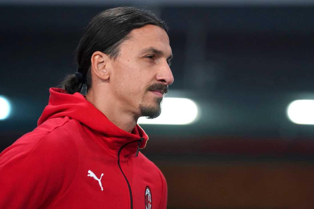 Zlatan Ibrahimovic är upprörd över att han används i tv-spelet Fifa utan att ersättas för det.