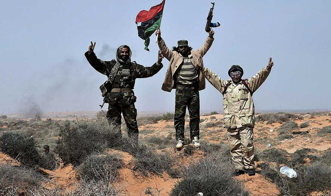 Hotet mot demokratirörelsen i arabvärlden kommer inte enbart från Gaddafi, utan även från västmakterna.