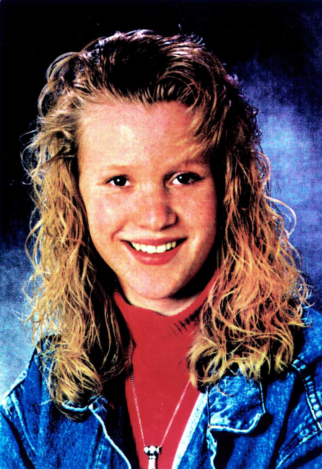 MÖRDADES.  En lördagskväll i juli för 20 år sedan blev 16-åriga Malin Olsson osams med sina kompisar vid en bensinmack i Götebog och lämnade bilen.  Morgonen därpå hittades hon död.