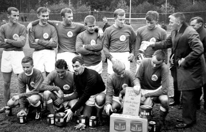 Sven-Göran Eriksson inledde sin fotbollskarriär som spelare, här längst ner till vänster i Torsby IF, men det var som tränare han gjorde sig ett namn.