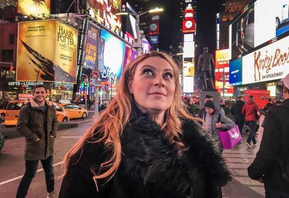 """Sarah Dawn Finer i """"Sarah's sounds of musicals""""."""