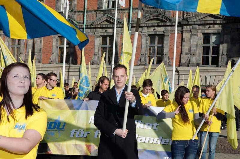 """""""ÄR MER NATIONALISTISKA"""" SDU:s ordförande Gustav Kasselstrand fick sparken från sitt arbete på SD:s partikansli 2012 efter att ha kritiserat partiledningen."""