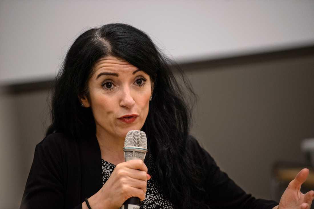 Riksdagsledamoten Amineh Kakabaveh (V).