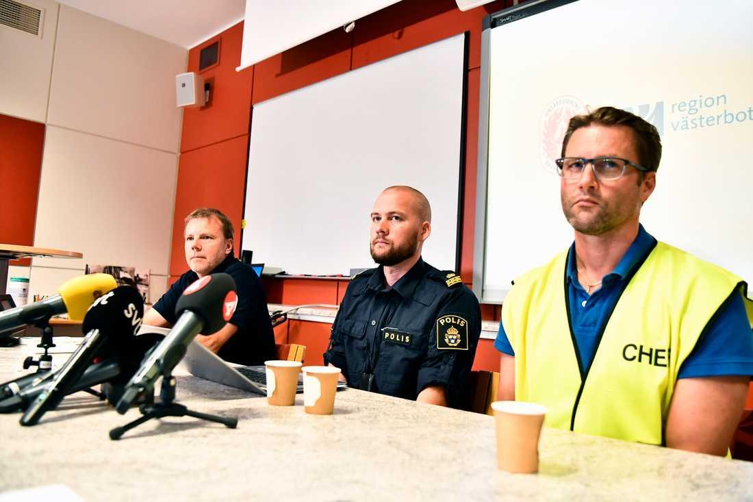 Polis och räddningstjänst höll en presskonferens under söndagskvällen.