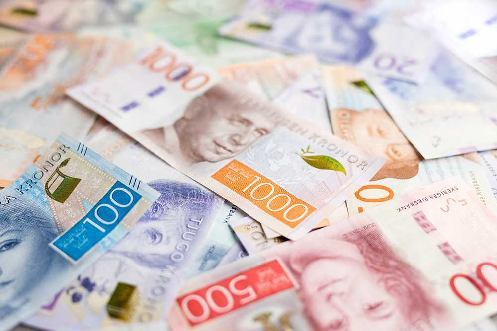 Bankerna drar in allt mer pengar på bolån.