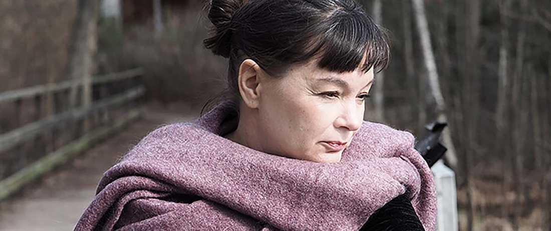 """Lisa Förare debuterar med """"Varken""""."""