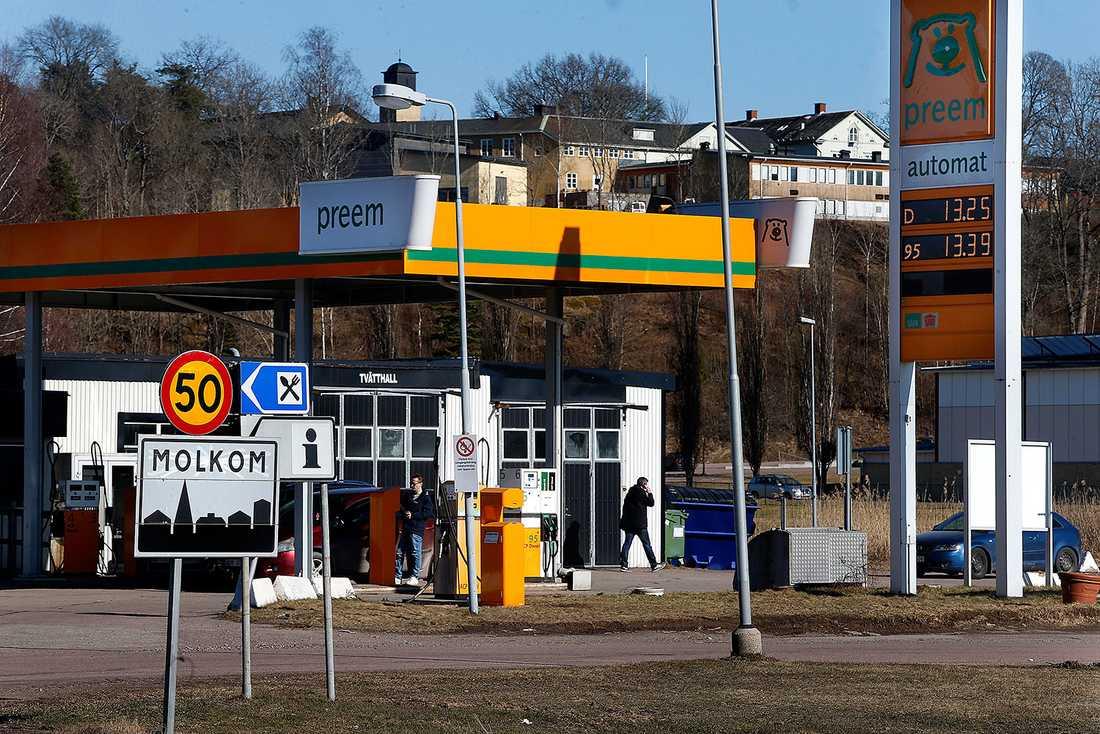 –Området kring macken i Molkom är litegrann en hotspot för iakttagelser före händelsen. Det finns misstankar om att de kan ha befunnit sig där, säger polisen i Värmland.