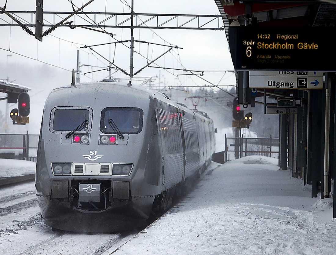 Att det blir vinter i Sverige betyder inte att vi ska vänja oss vid tågkaos.