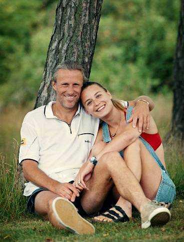 VILLE BEHÅLLA BARNET Björn Borg och Kari Bernhardt planerade att gifta sig men vigseln blev aldrig av. - Jag blev gravid med Björn och vi ville behålla barnet, berättar nu Kari, som fick missfall.