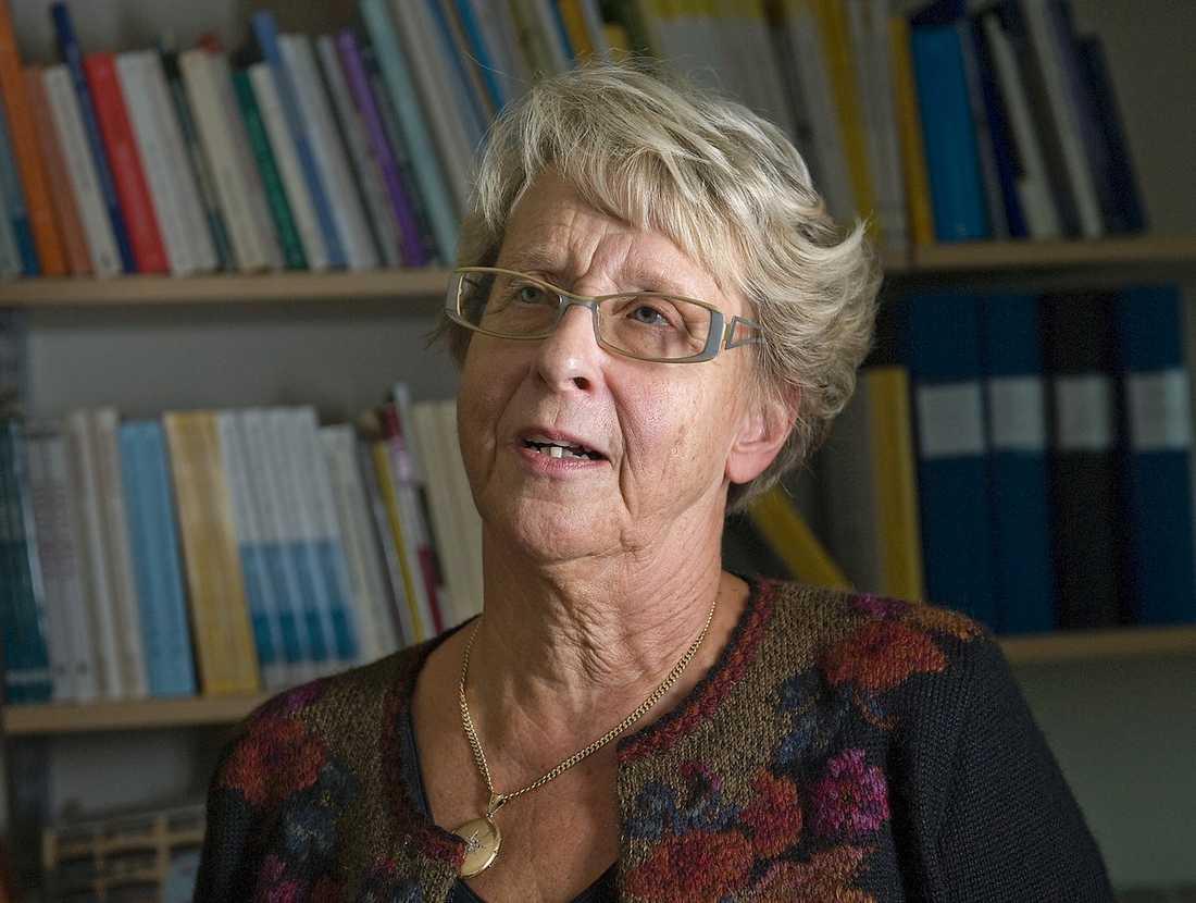 ANKLAGAR  Författaren och professorn Birgitta Almgren skriver i sin nya bok om 57 svenskar som ska ha varit agenter för Stasi. Hon nämner inga namn, men många av dem har ändå känt sig utpekade.