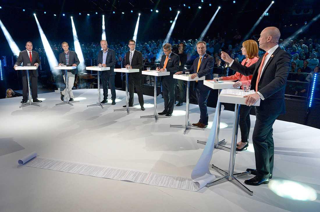 Partiledarna under Aftonbladets debatt.