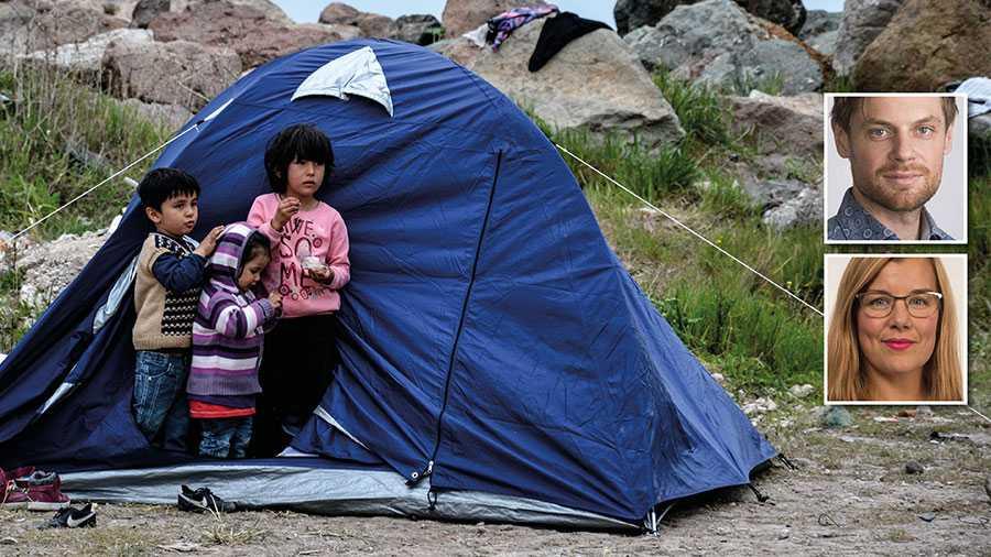 Vi kräver att regeringen omedelbart ansluter sig till EU:s relokaliseringsprogram och solidariskt bidrar till att skydda barnen i de  grekiska flyktinglägren från de fruktansvärda levnadsförhållanden de lever i, skriver Jacob Flärdh och Sara Damber.