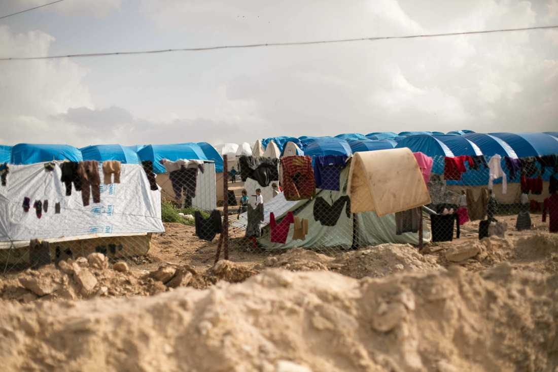 Kvinnan och barnen ska bland annat ha bott i al-Hol-lägret i nordöstra Syrien innan de kom till Sverige, enligt en representant för självstyret i nordöstra Syrien. Arkivbild.