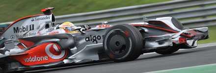 Snabbast Lewis Hamiltons storform håller i sig. I tidsträningen inför Budapests GP var han snabbast – igen.