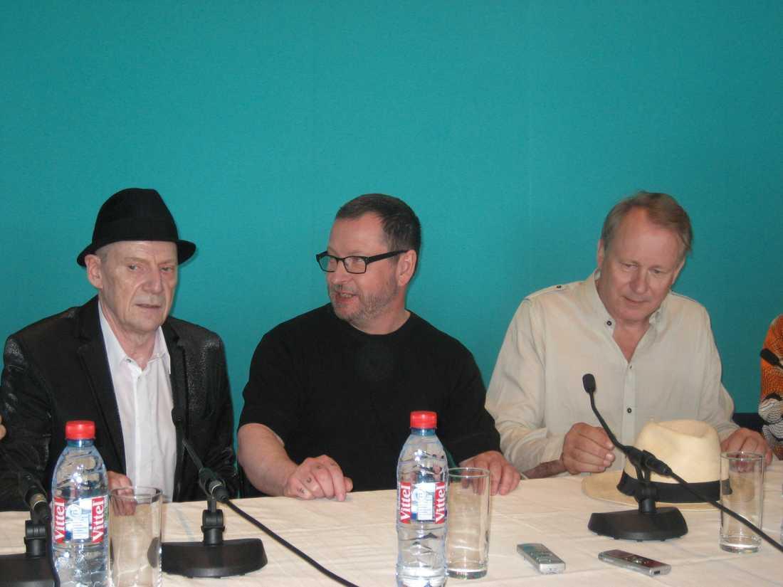Jesper Christiansen, Lars von Trier och Stellan Skarsgård på den mindre pressträff som hölls för skandinaver, strax efter den skandalomsusade stora presskonferensen.