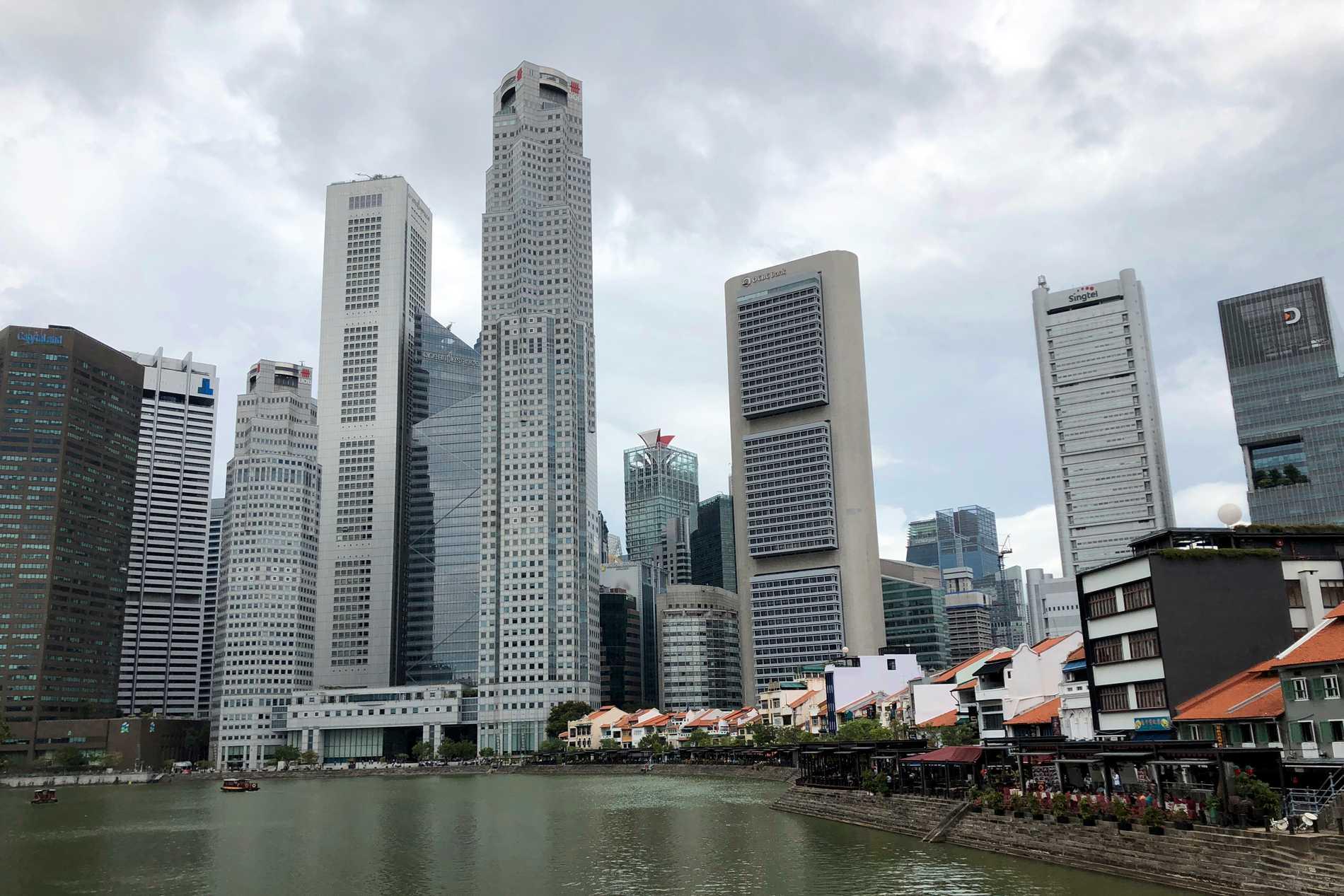 Många kvinnor från fattigare länder i Asien arbetar som hembiträden i Singapore. Arkivbild.