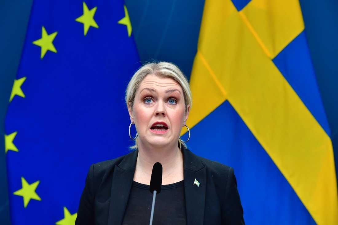 Socialminister Lena Hallengren (S) presenterade en lagrådsremiss av pandemilagen den 28 december. Arkivbild.