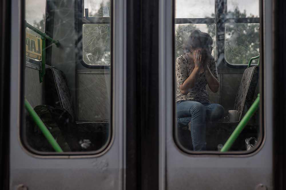 För många var det sista chansen att ta sig in i Ungern. De som lyckades bussades tågstationen i Röszke och vidare med tåg till österrikiska gränsen.