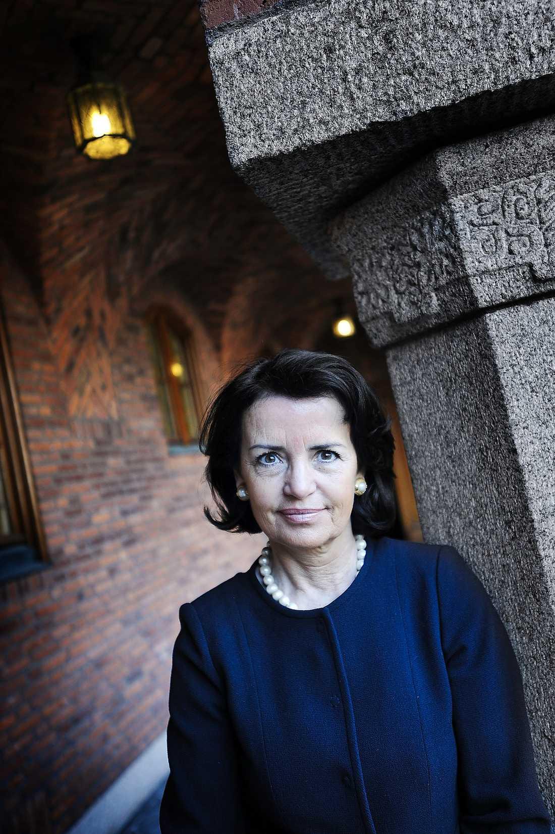 """""""KUNGEN HAR RÄTT"""" Advokatsamfundets Anne Ramberg sa till """"Aktuellt"""" i veckan att man inte kan lita på kriminella och att kungen har rätt. Ett uttalande som nu får skarp kritik av advokater."""