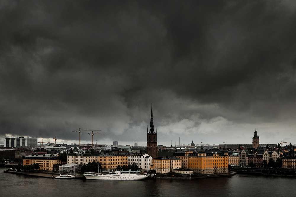 Mörka moln har dragit in över bostadsmarknaden under hösten.