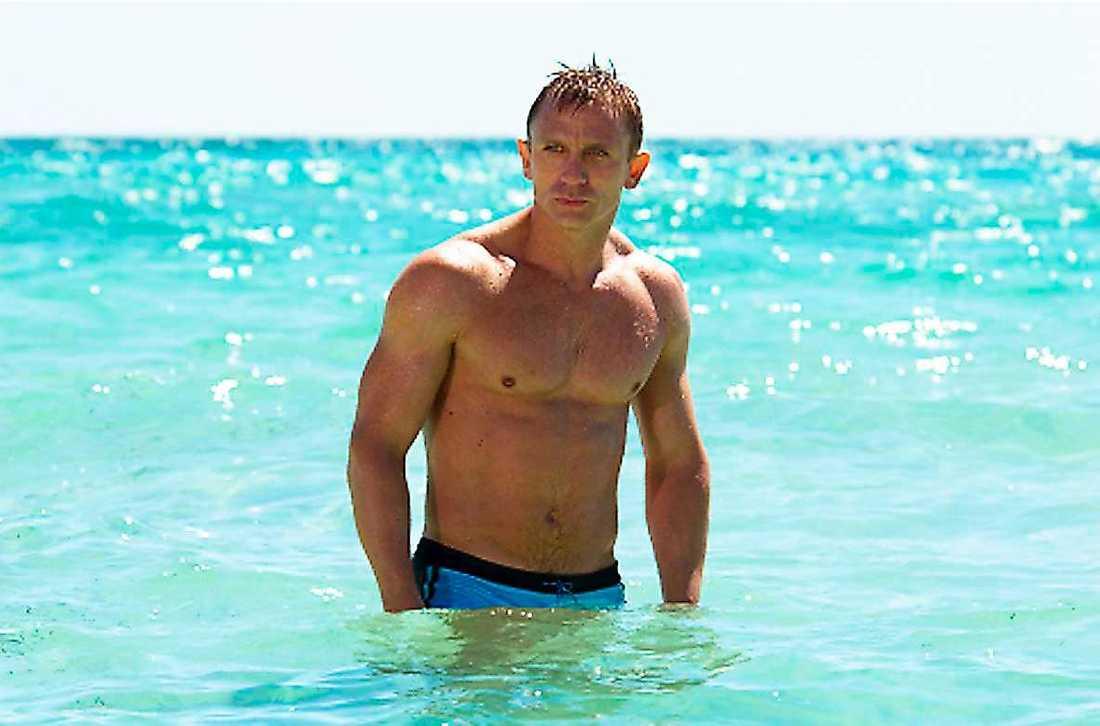 """007 i badbrallor i """"Casino Royale"""". Och kläderna åker av även i """"Spectre"""". """"Självklart"""", säger Craig."""
