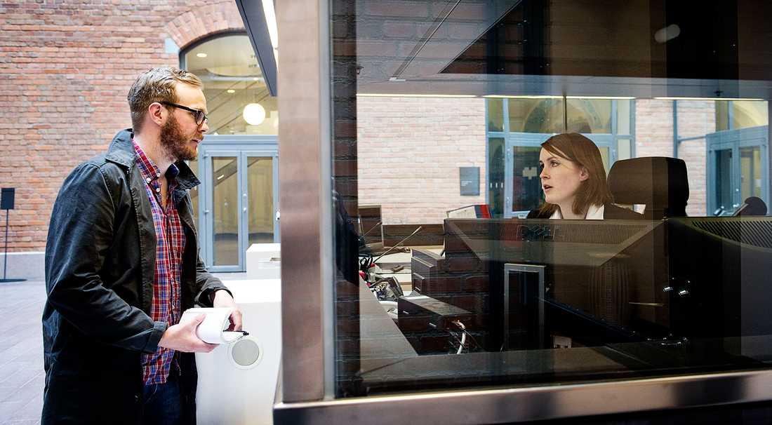 Aftonbladets reporter söker Annie Lööf vid Näringsdepartementet.