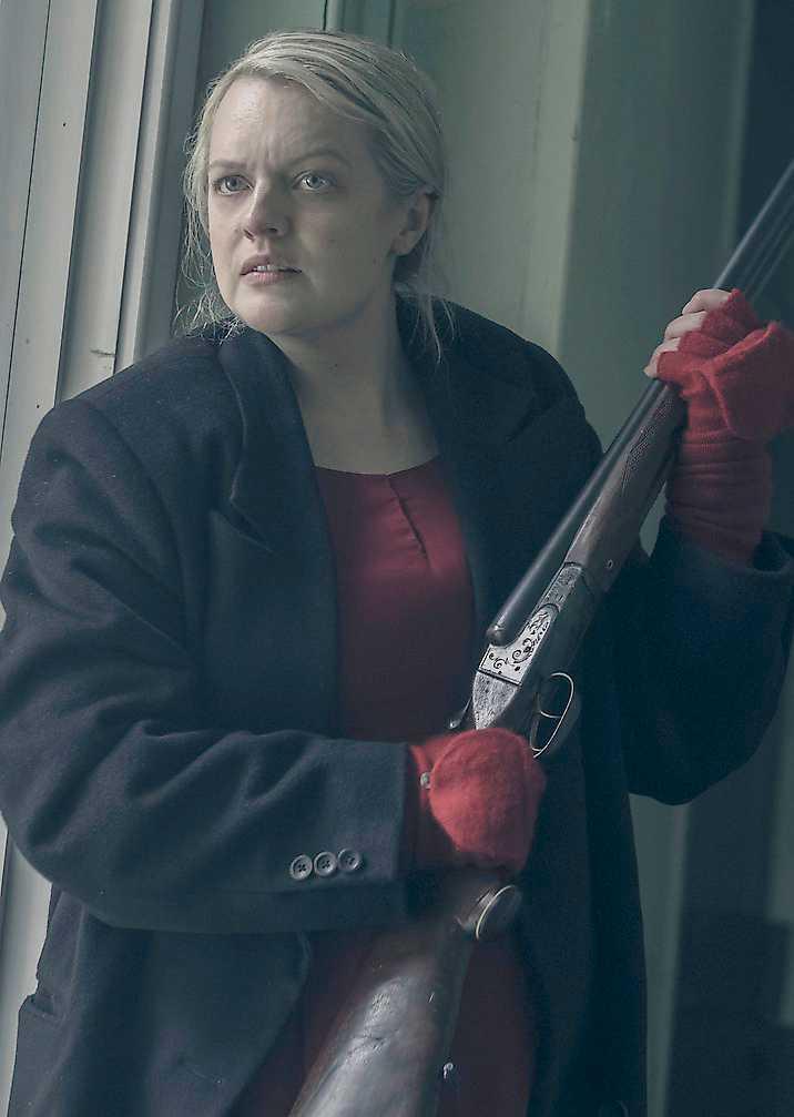 """I """"The Handmaid's tale"""" försöker June (Elizabeth Moss) rymma från sin fångenskap."""