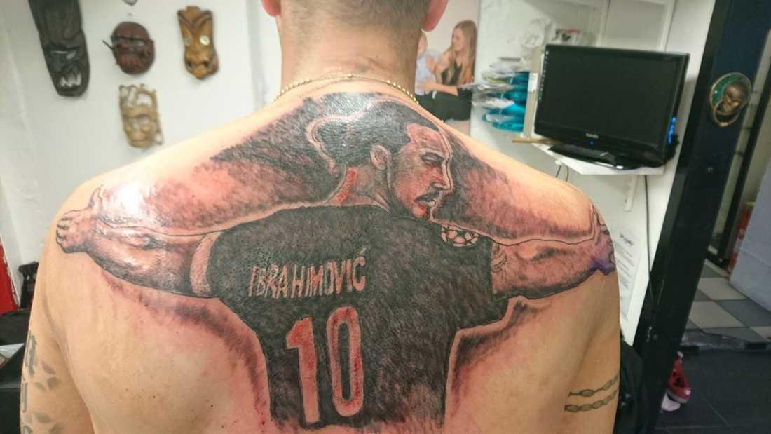 Henri Stendalen, 29, med sin Zlatan tatuering.