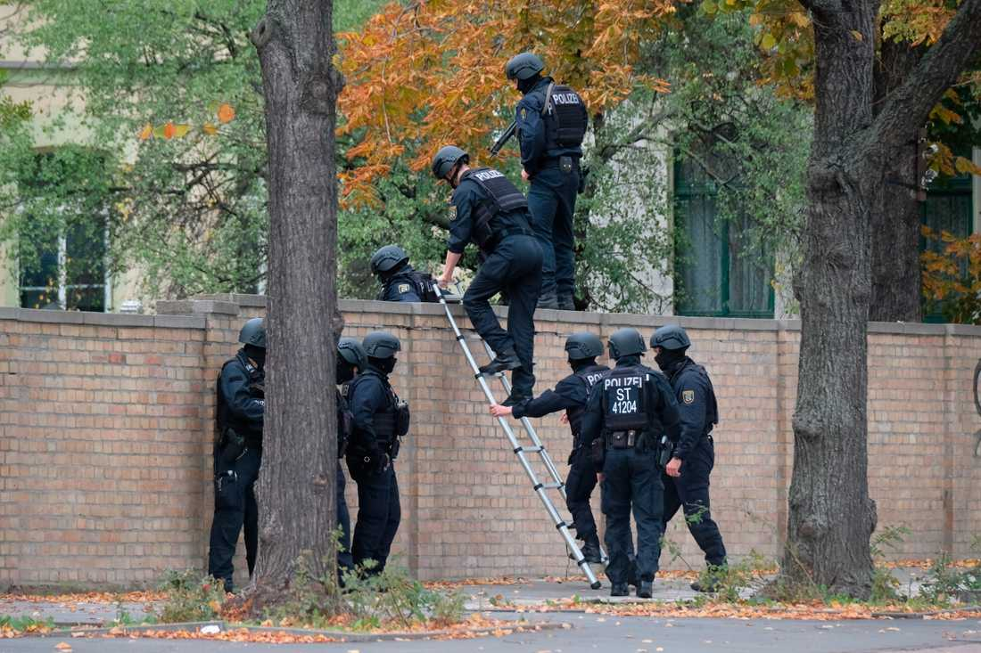Poliser i tyska Halle.