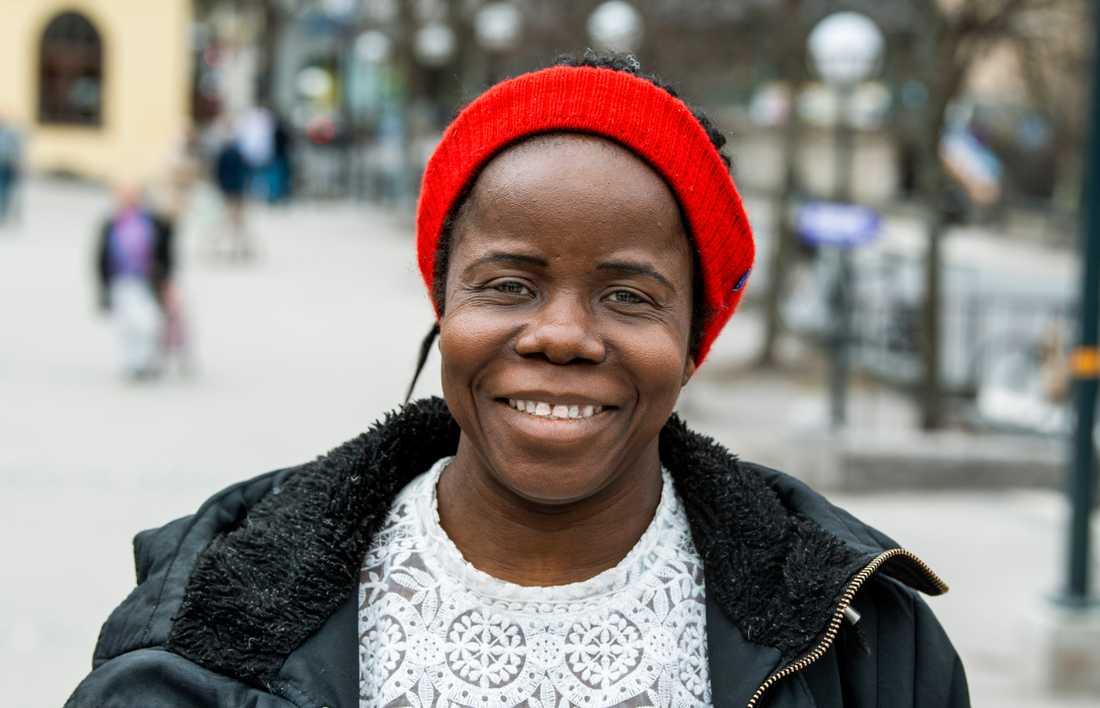 """""""Det handlar om information"""", säger Mary Nnam, 43 år, om att valdeltagandet är lågt i Södertälje."""