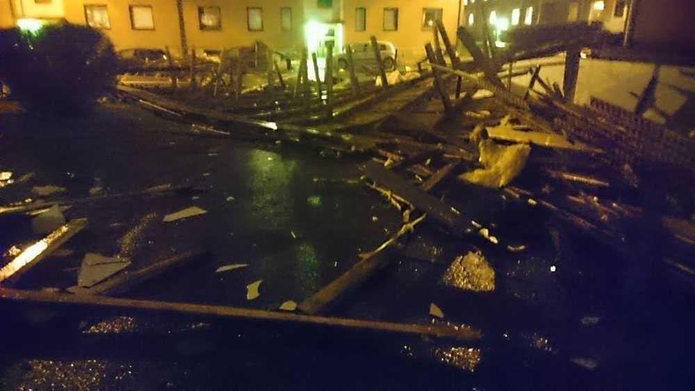 Taket  blåste av huset i Hässleholm.