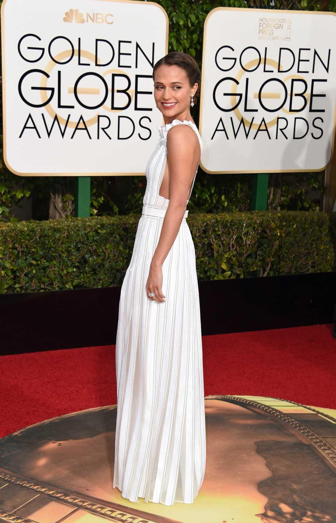Alicia Vikander i vacker klänning.