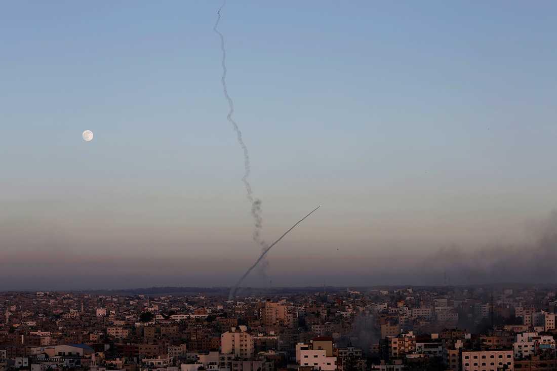 Rök stiger över Gazaremsan efter en Israelisk attack vid ett annat tillfälle.
