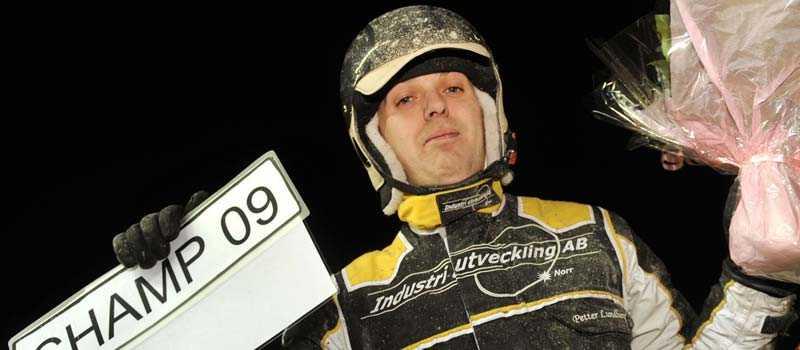 I januari blev Petter Lundberg rikschampion. Snart åker nya nummerskylten på bilen.