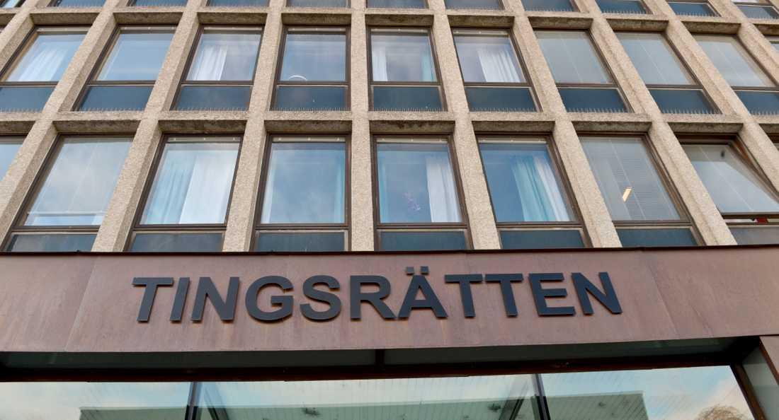En 19-årig man har dömts till fängelse för ett sprängdåd mot en festlokal i Södertälje. Arkivbild