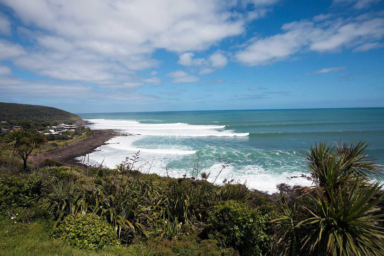 Alla turister som åker in i Nya Zeeland måste betala en turistskatt. Här är Whale Bay norr om Auckland.