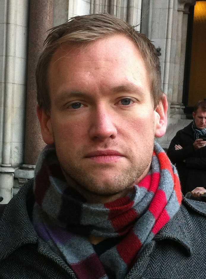 Aftonbladets reporter Tprbjörn Ek på plats i London.